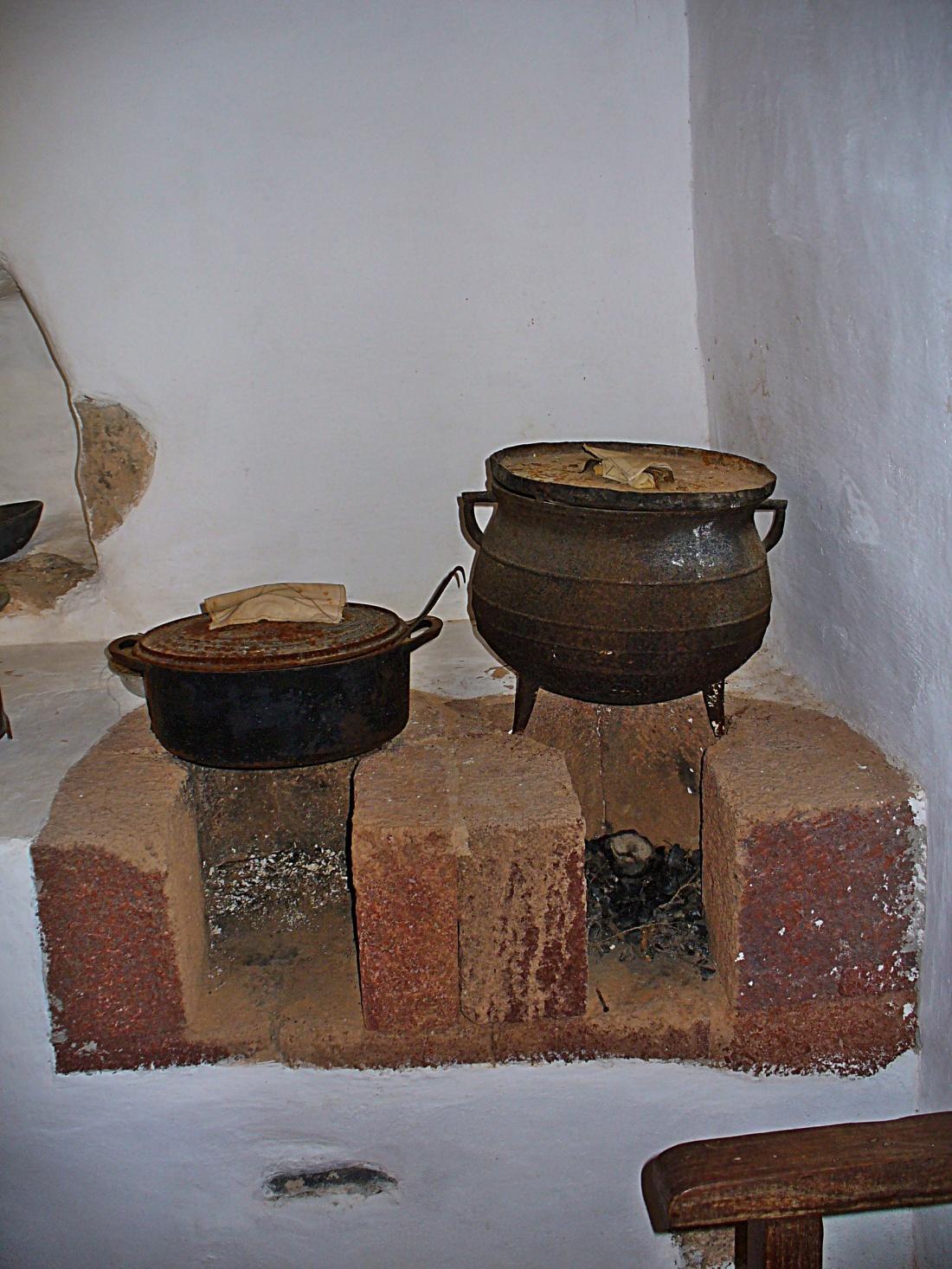 FOGÓN DE LEÑA-TEFÍA